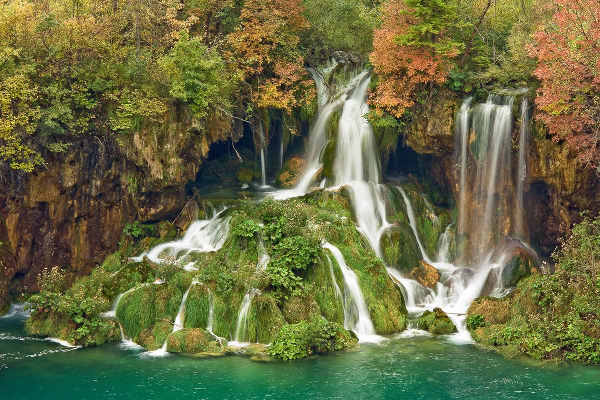 Potpisan ugovor o opremanju Javne Ustanove Plitvička jezera